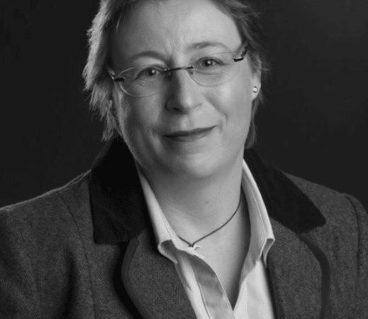 Dr Sue Peacock